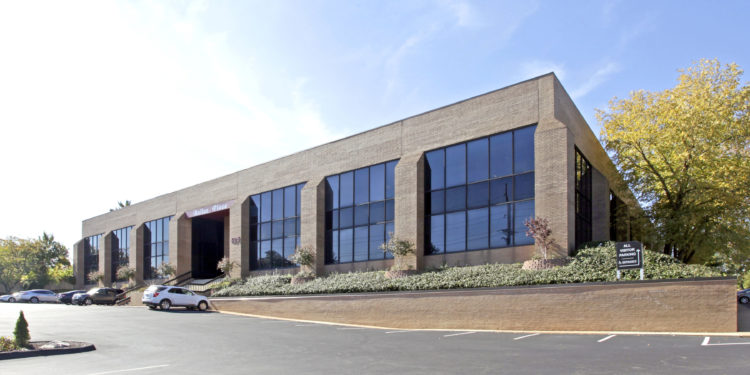 Exterior photo of the office building located at 425 N New Ballas Road